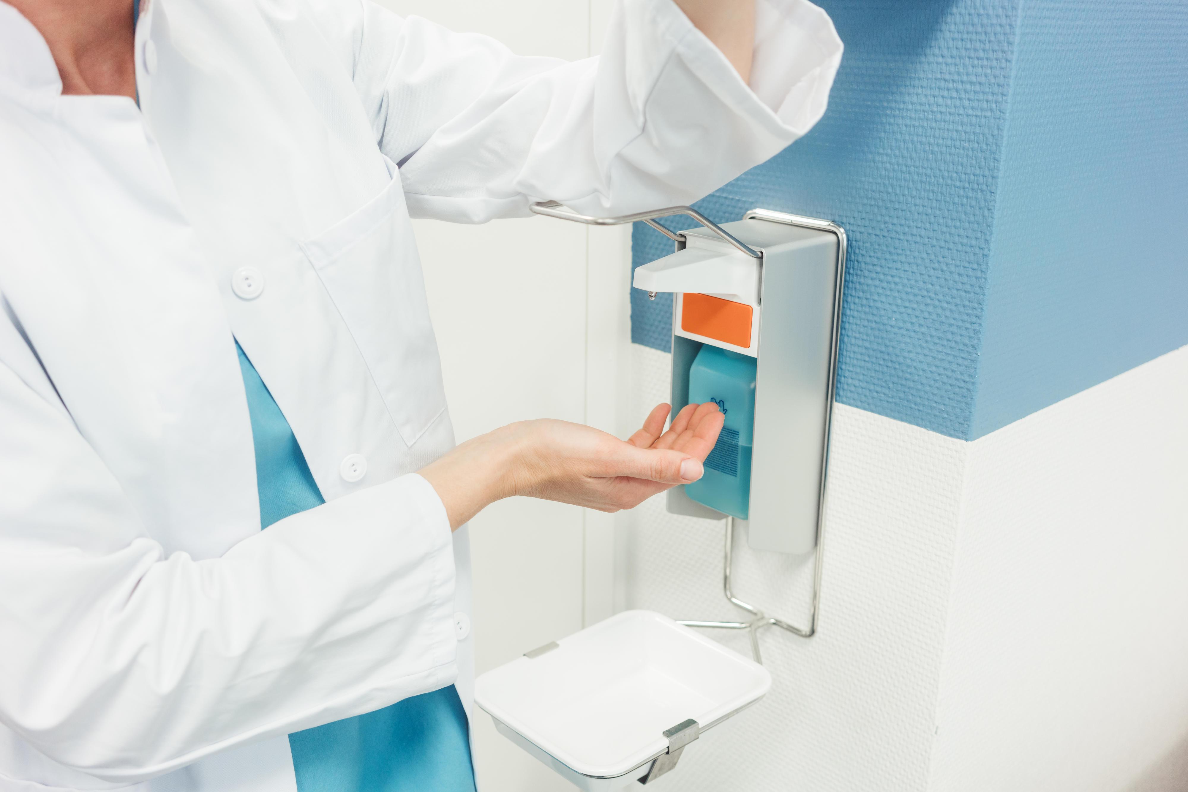 Spender mit Desinfektionsmittel