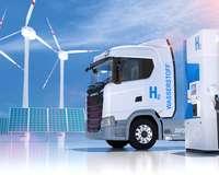 Wasserstoffgetriebener LKW an Tankstelle
